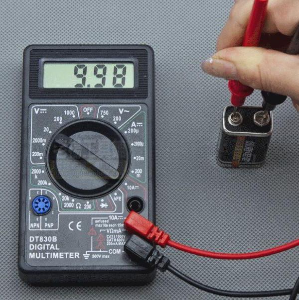 Заряд АКБ на вольтметре 9,98