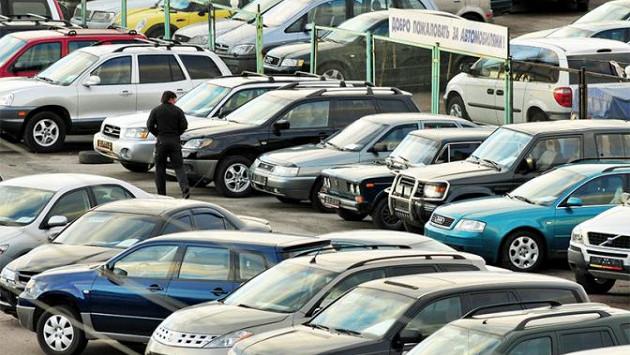 Ряды бу машин на продажу
