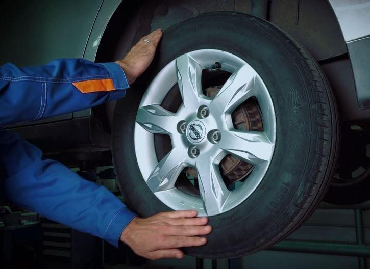 Проверка люфта на колесе