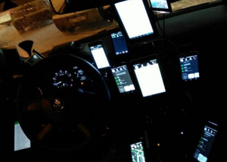 Много телефонов в такси