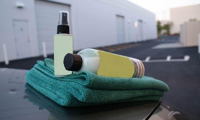 Средства для чистки авто и полотенце