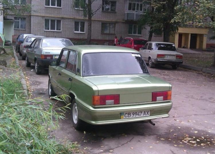 ВАЗ-21013 с дейво вид сзади