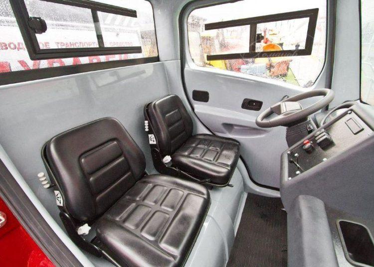 Салон и панель управления полицейского авто Муравей