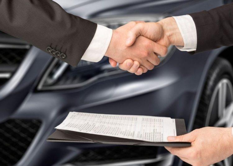 Договор кредита и рукопожатие