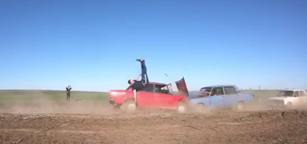 Неудачный трюк на машине