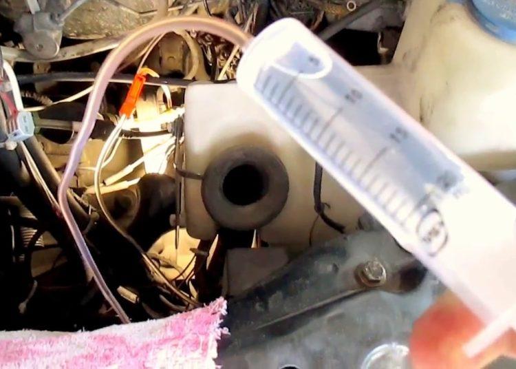 Прокачка сцепления шприцем