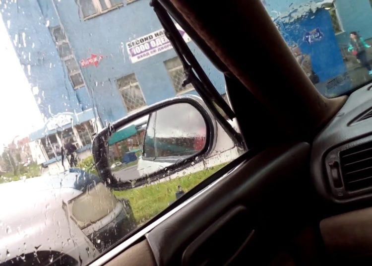 Вид из бокового окна авто