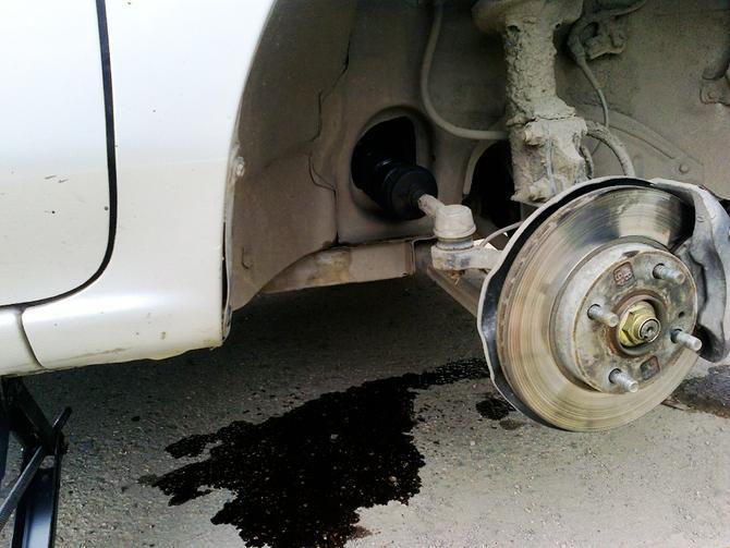 Течь под машиной