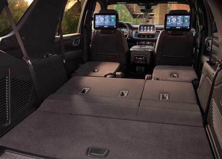 Chevrolet Tahoe с разложенными сидениями
