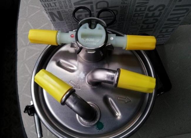 Стрелки на бензиновом фильтре