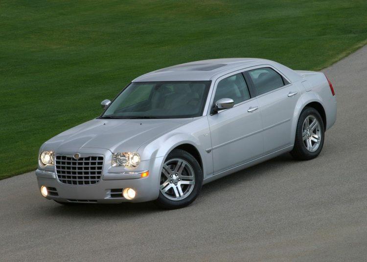 Серый Chrysler 300C