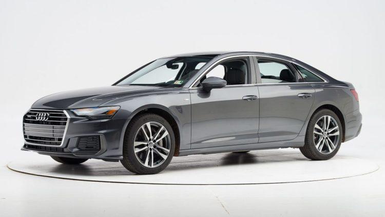 Серый Volvo XC60